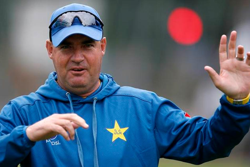 Pakisthan Coach Puts Blame On Batsmen