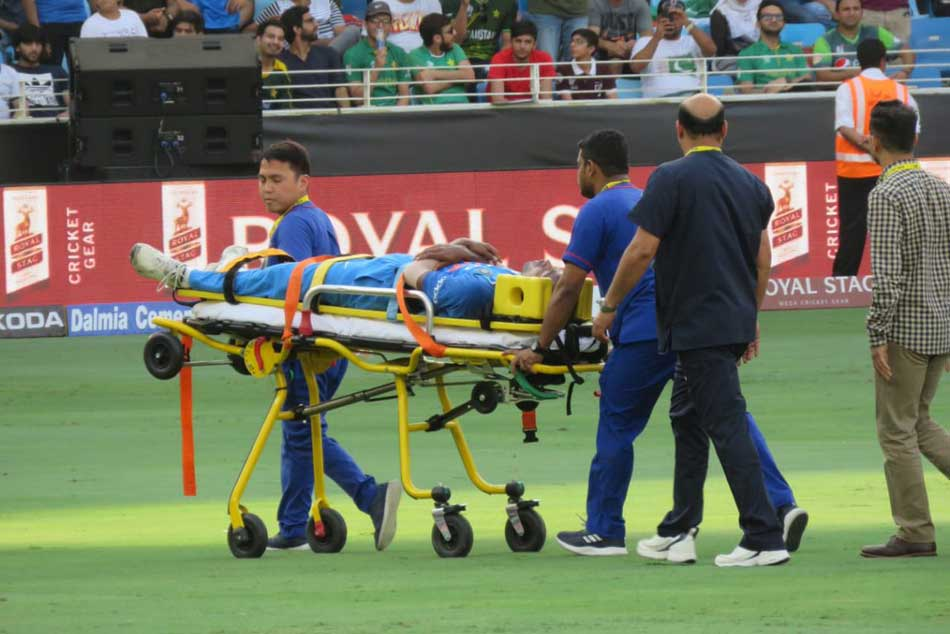 India Vs Pakistan Asia Cup Live Score Injured Hardik Pandy Carried Off The Field