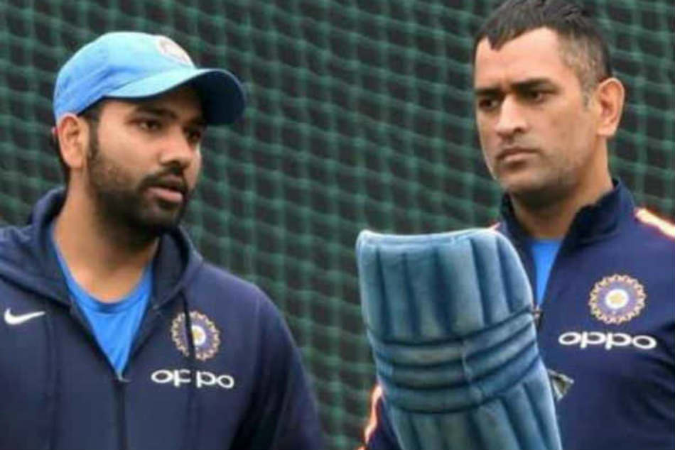 Asia Cup 2018 Rohit Sharma Fortunate Have Ms Dhoni Around Feels Sunil Gavaskar