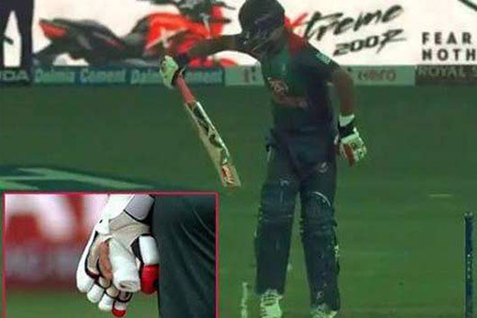 Asia Cup 2018 Injured Tamim Iqbal S One Handed Batting Sends Twitter Into A Frenzy