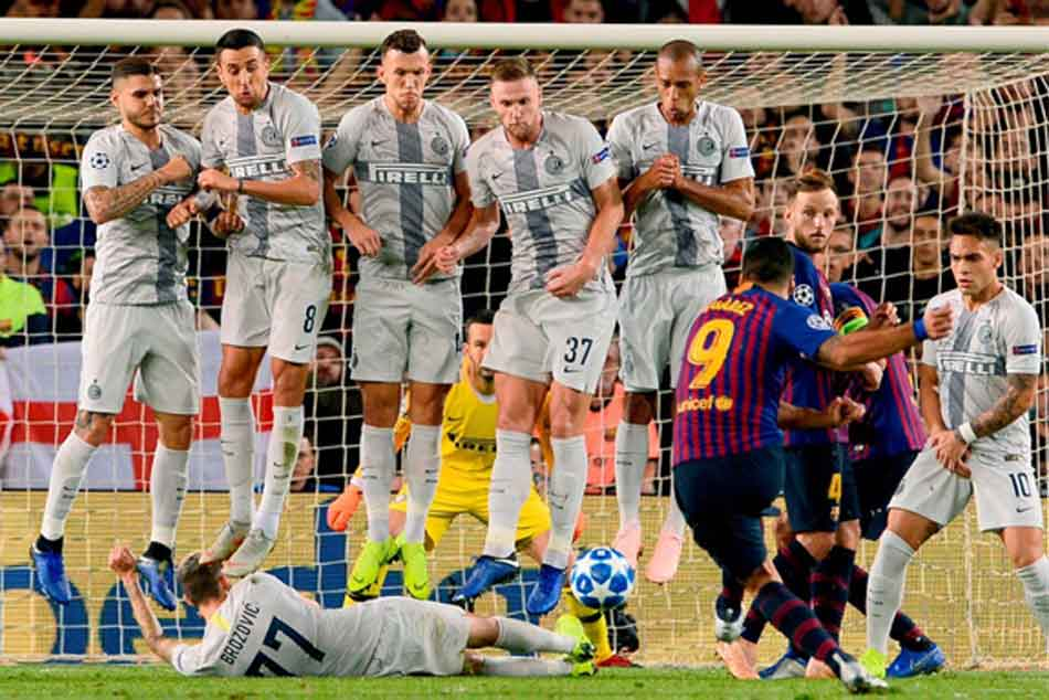 Injured Barcelona star Lionel Messi amused at inventive block by Inter Milan's Marcelo Brozovic from Luis Suarez