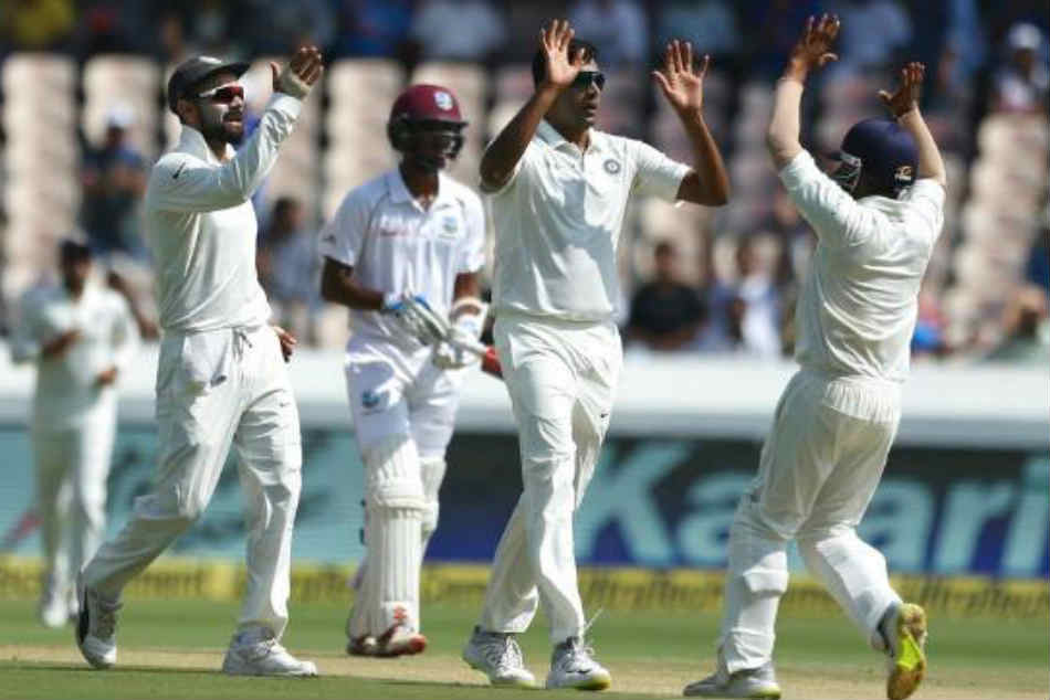 India vs West Indies Live Score 2nd Test Day 1: Umesh strikes at stroke of lunch, WI 86 for 3