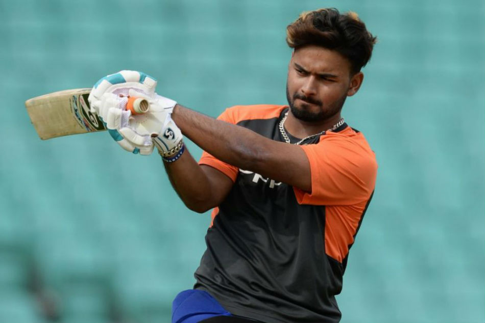 Rishabh Pant Suffers Painful Injury After Crashing On To Hoardings