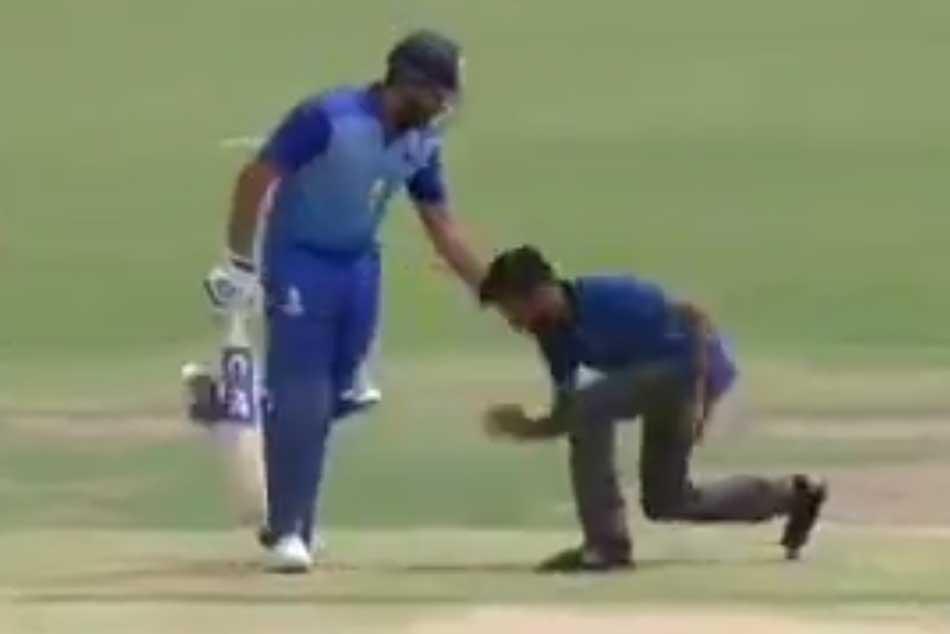Watch Fan Tries Kiss Rohit Sharma During Mumbai S Vijay Hazare Trophy Quarter Final Match