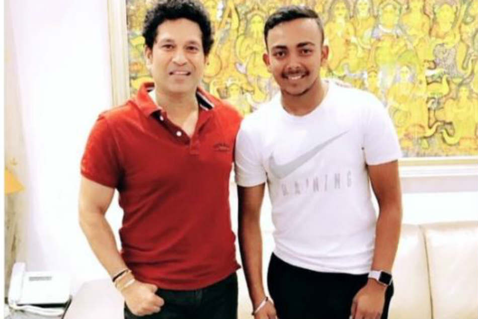 See Pic: Indian cricketer Prithvi Shaw meets idol Sachin Tendulkar