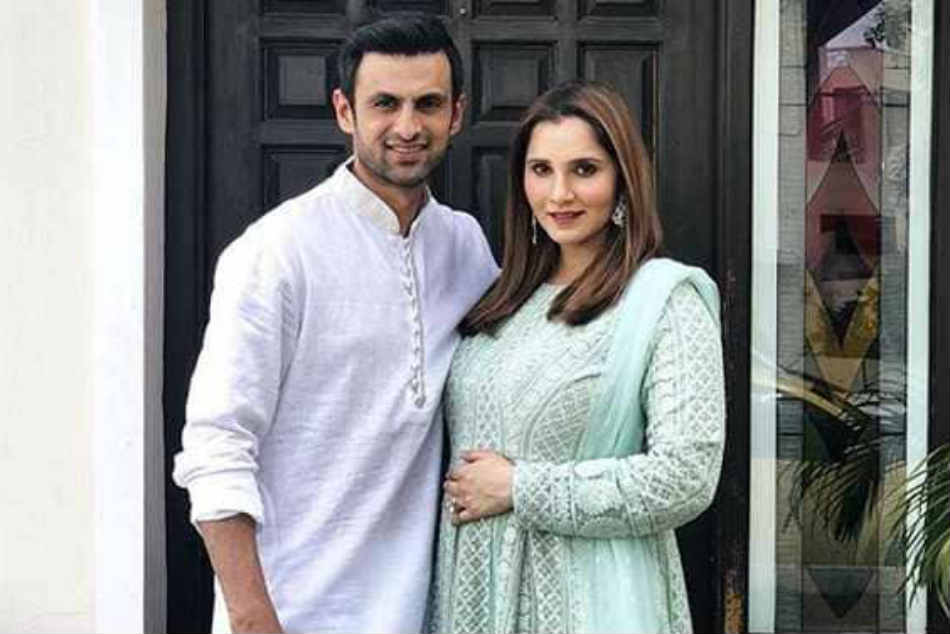 Cricketers Congratulate Shoaib Malik Sania Mirza Being Blessed With A Baby Boy