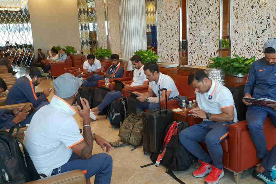 Thiruvananthapuram rolls out special welcome for Virat Kohlis Team India