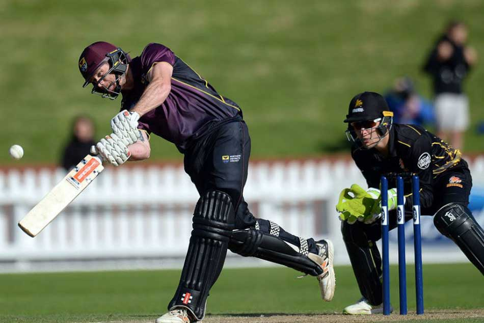 See ball, hit ball, New Zealand duo belt 43 runs off single over