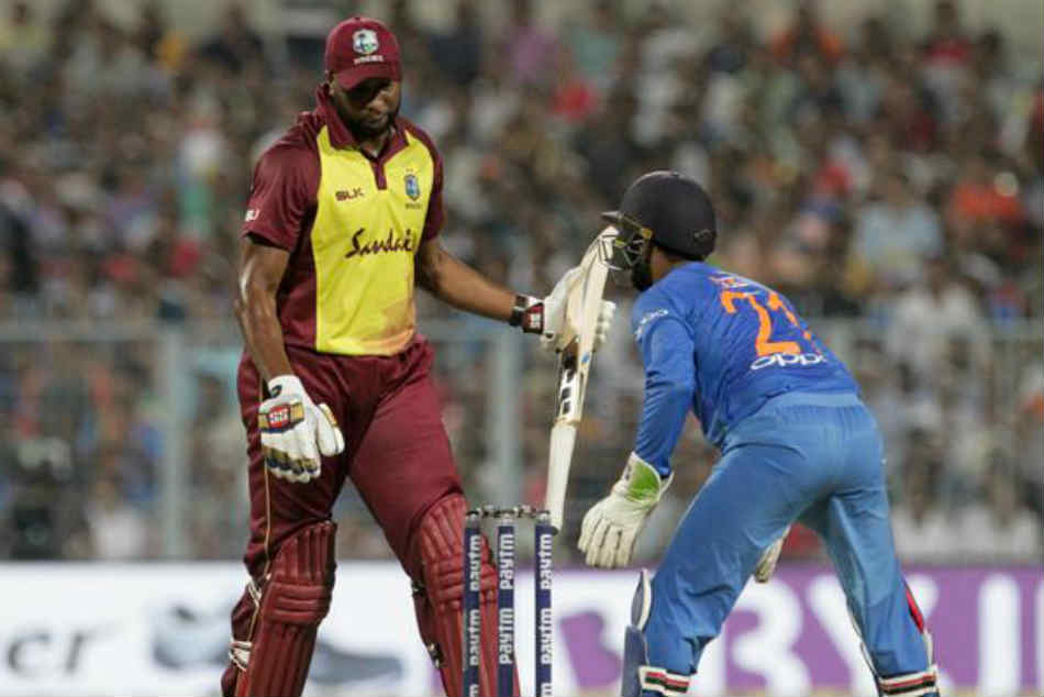 India Vs West Indies 1st T20i Dinesh Karthik Become 2nd Most Dismissals By Wicketkeepers