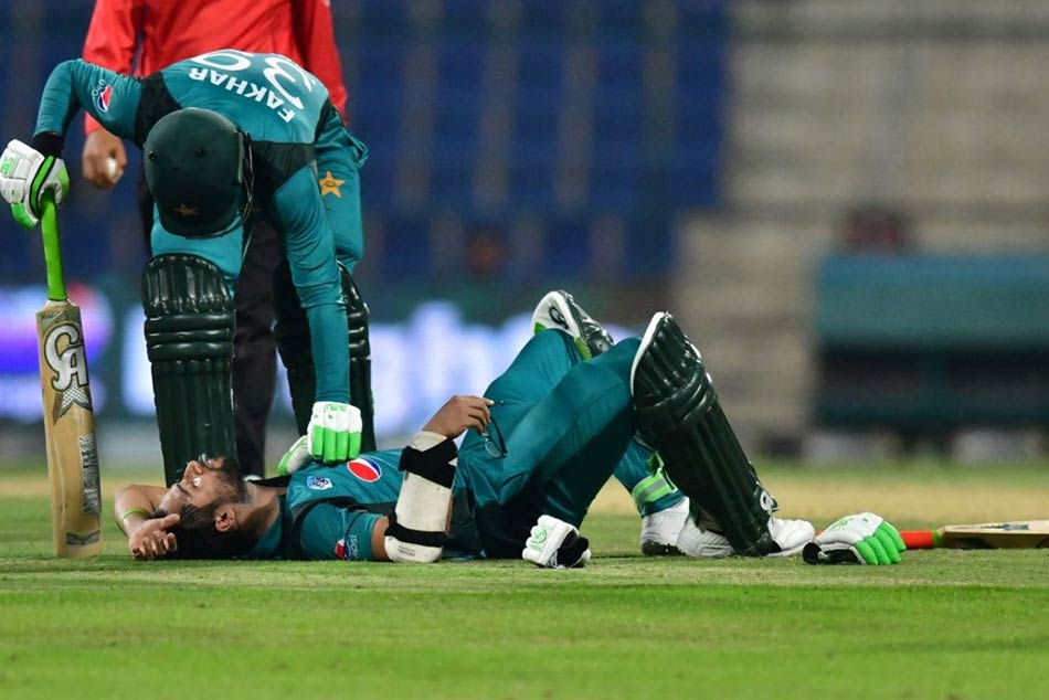 Pakistan opener Imam-ul-Haq hit by a bouncer from Lockie Ferguson during 2nd ODI