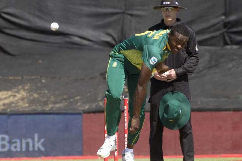 Bizarre! Kagiso Rabada left embarrassed after bowling a shocker to Glenn Maxwell, watch video
