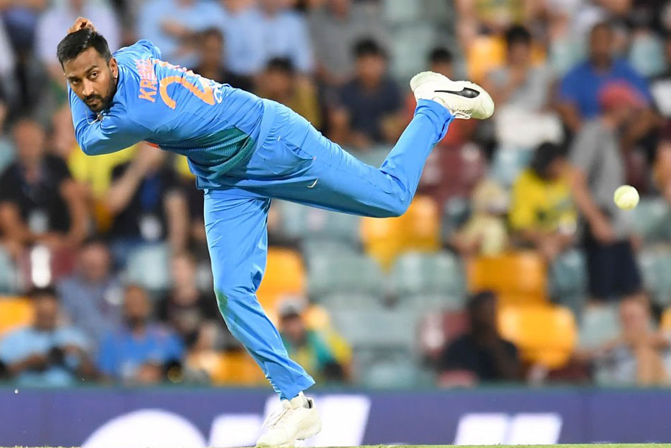 Krunal Pandya takes three, sends Aussie top order back