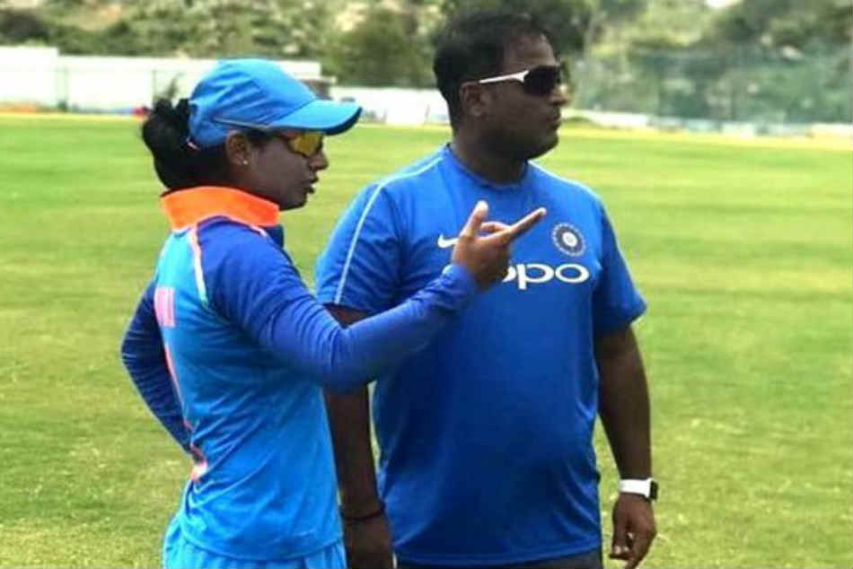 Mithali Was Aloof Difficult Handle Powar Tells Bcci Committee