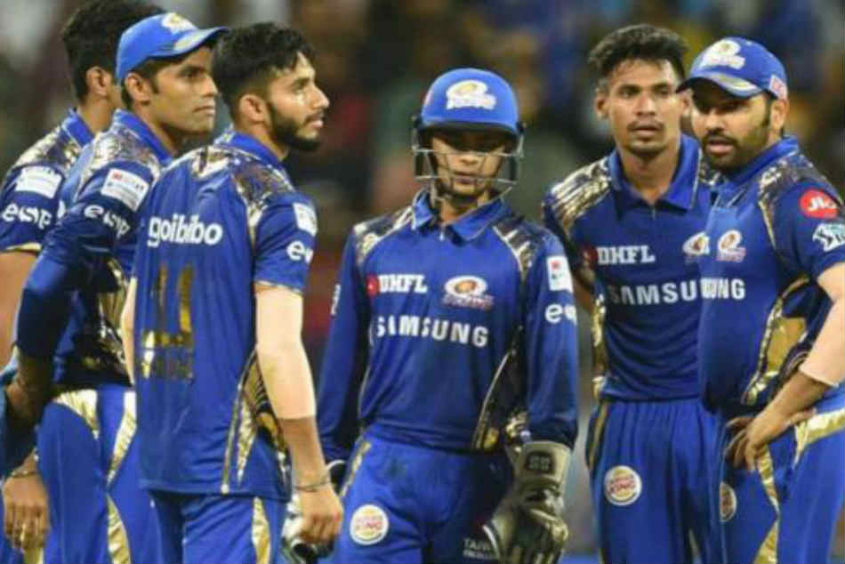 Mumbai Indians retain 18 core players, release 10