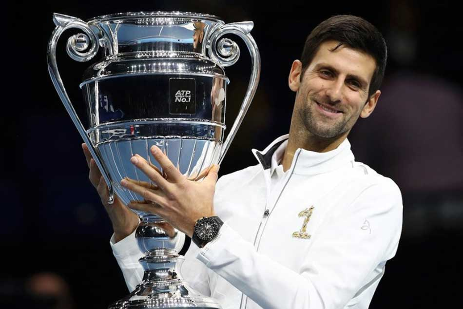 Novak Djokovic presented with year-end No.1 trophy at Nitto ATP Finals!