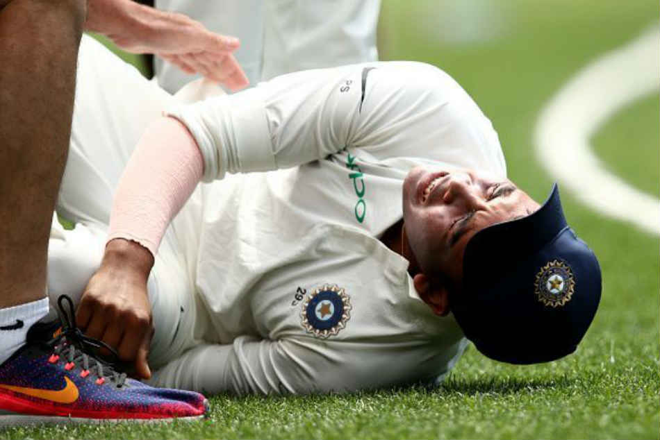 Twitter reacts after Prithvi Shaw injures his ankle during the practice game