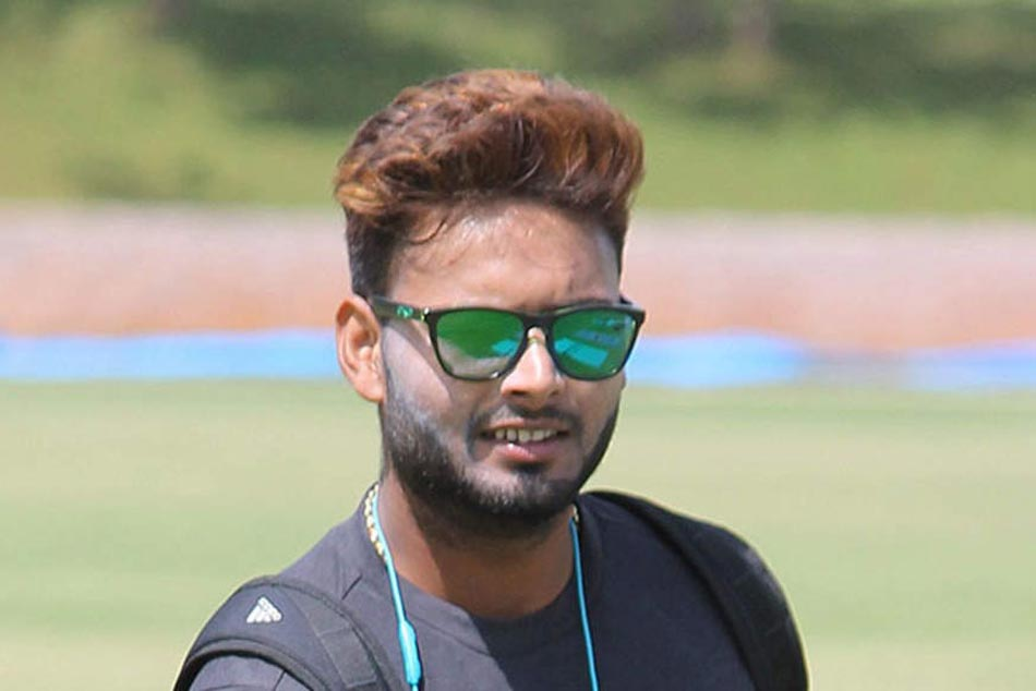 Rishabh Pant Reacts On Comparisons With Ms Dhoni Says Not Here To Complete With Anyone