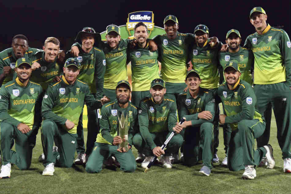 Australia v South Africa: Tourists win by 40 runs to win one-day international series