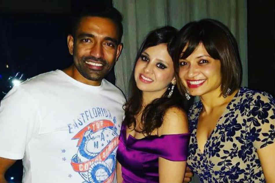 Sakshi Dhoni Thanks Robin Uthappa Bringing Her Ms Dhoni Together