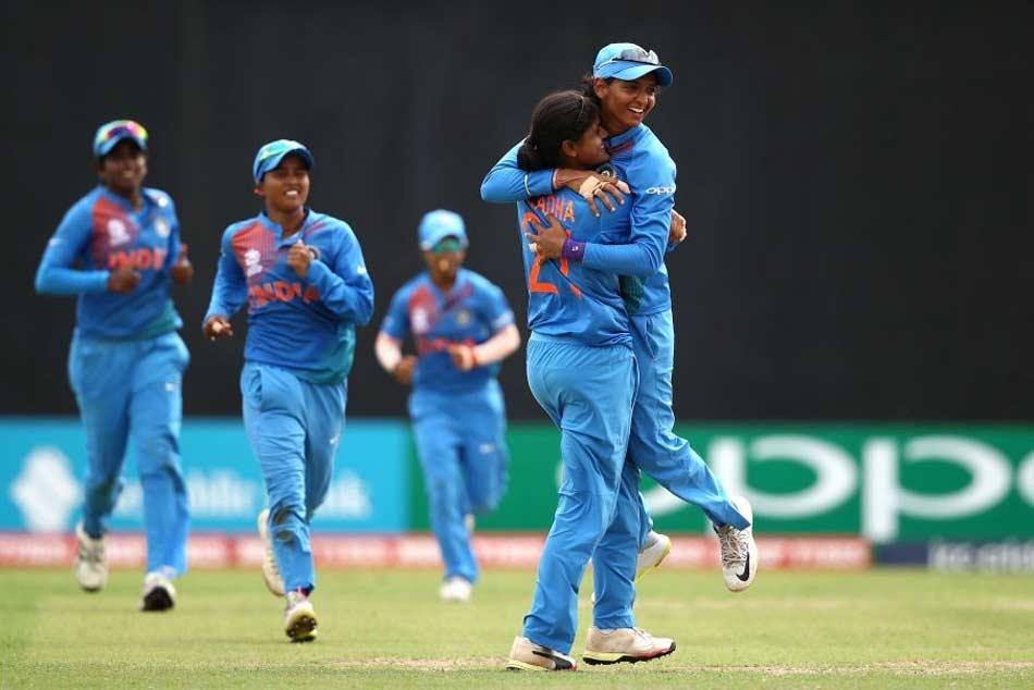 Women S World T20 Mandhana Hits 83 Set Up India S 48 Run Win Over Australia