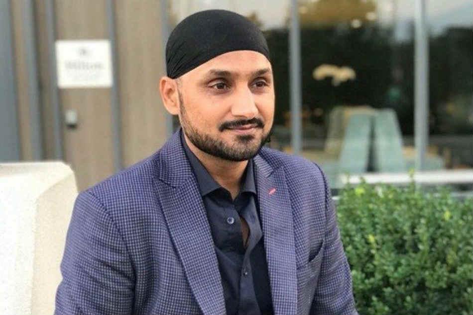 He Broke Down Crying Symonds Says Harbhajan Apologised Over Monkeygate Off Spinner