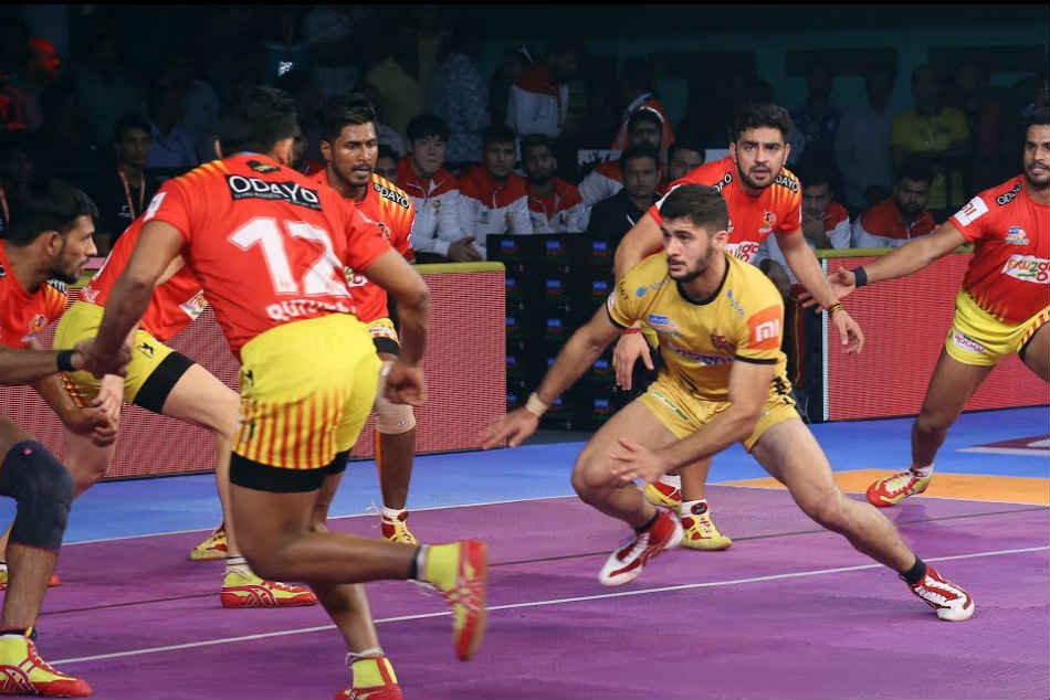 Pkl 2018 Gujarat Fortunegiants Leave It Late Score Thrilling Victory Over Telugu