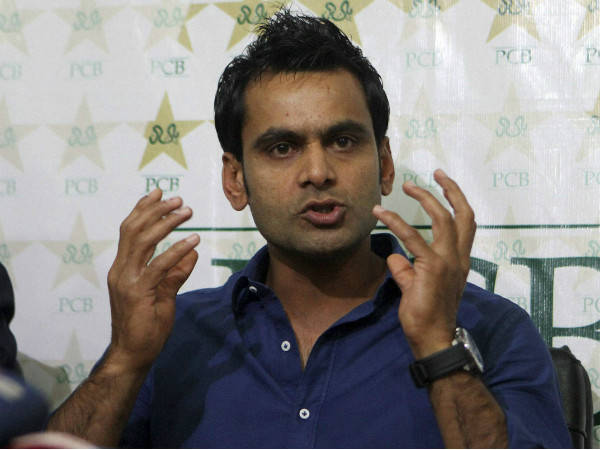 Pakistan all-rounder Muhammad Hafeez retires from Test cricket