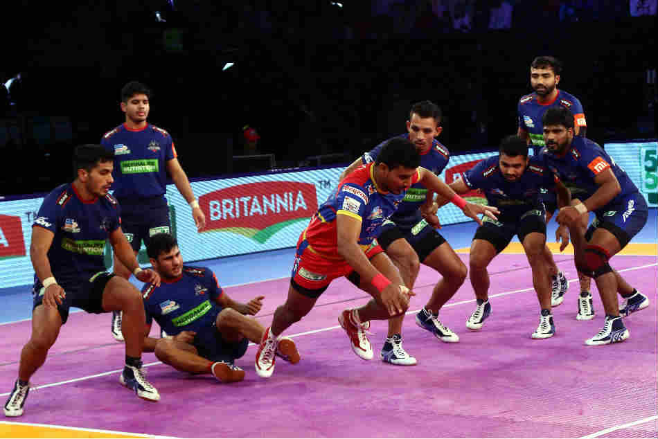 Pro Kabaddi League 2018 Up Yoddha Edge Haryana Steelers With 30 29 Scoreline