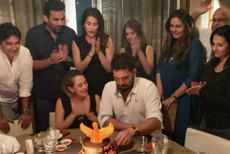 Inside Yuvraj Singh S Birthday Party With Wife Hazel Keech Zaheer Khan And Others