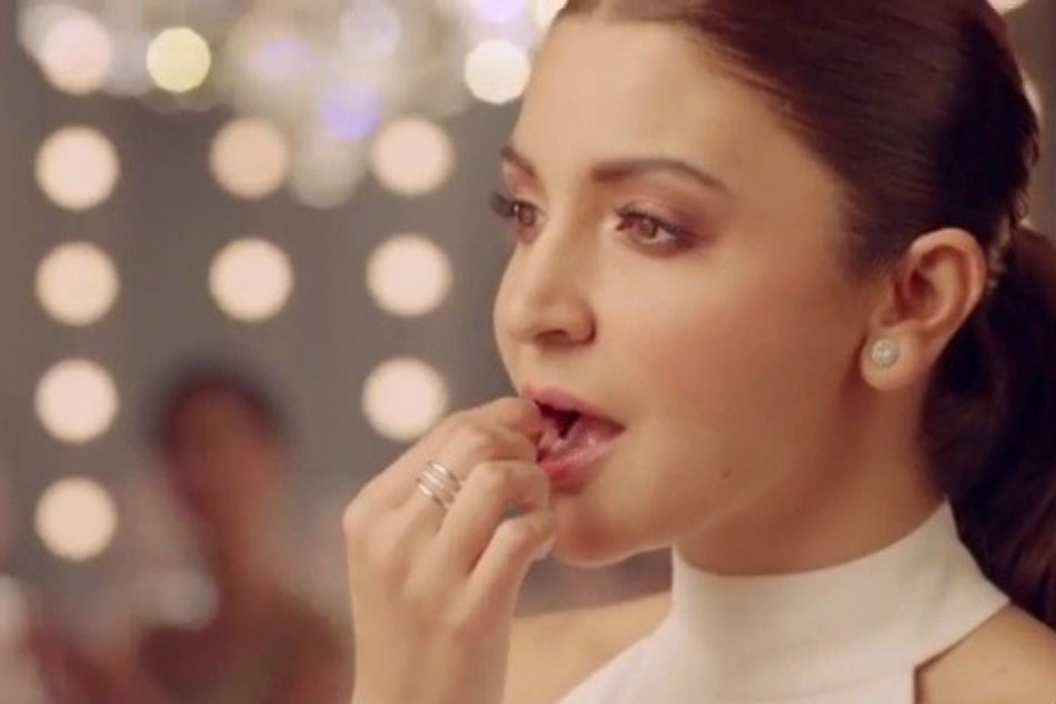 Anushka Sharma Trolled Endorsing Rajnigandha Product Netizens Accuse Her Of Promoting Gutkha