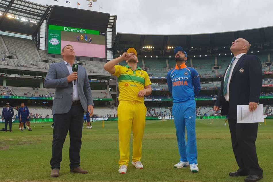 India Vs Australia 3rd Odi Live Updates India Win Toss Elect To Bowl Vijay Shankar Debuts