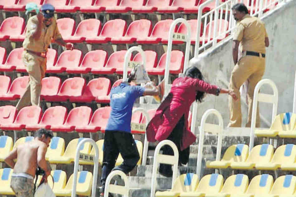 Watch Bee Attack Retire Hurts Spectators During India A Vs England Lions Match In Thiruvananthapuram