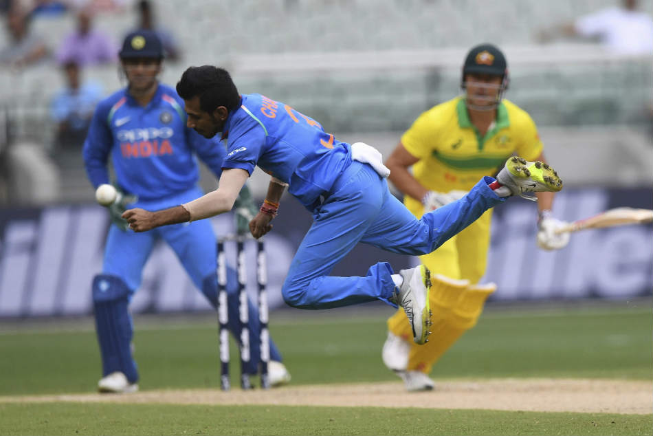 Just Usd 500 Yuzvendra Chahal Ms Dhoni Sunil Gavaskar Slams