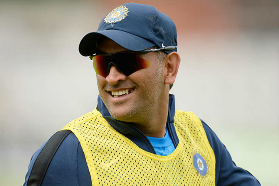 India Vs Australia Ms Dhoni On Verge Joining Sachin Tendulkar