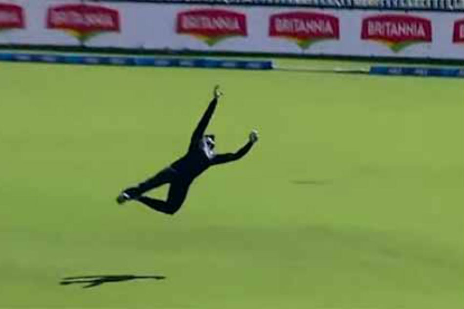 Cricket Guptill Catch Helps New Zealand Sweep Odi Series Against Sri Lanka