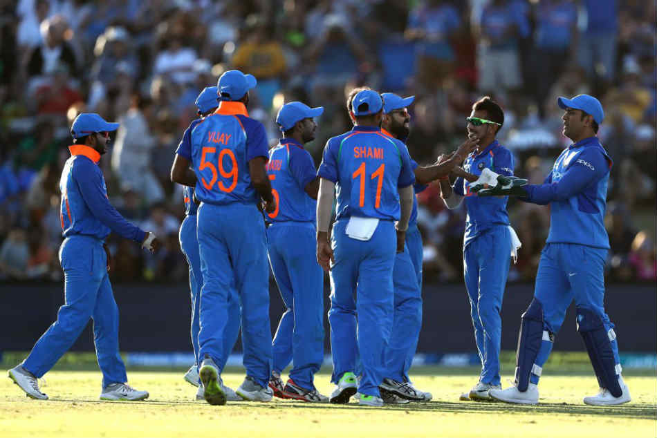 India Vs New Zealand Live Score 2nd Odi India Total Control As New Zealand Crumble In Chase