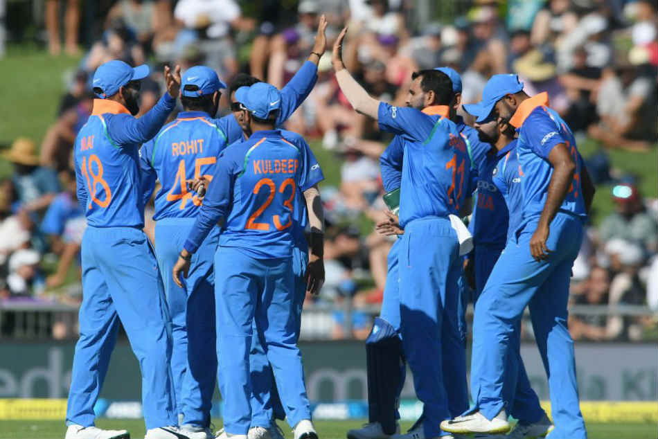 India Vs New Zealand 1st Odi India Beat New Zealand 8 Wickets Take 1 0 Series