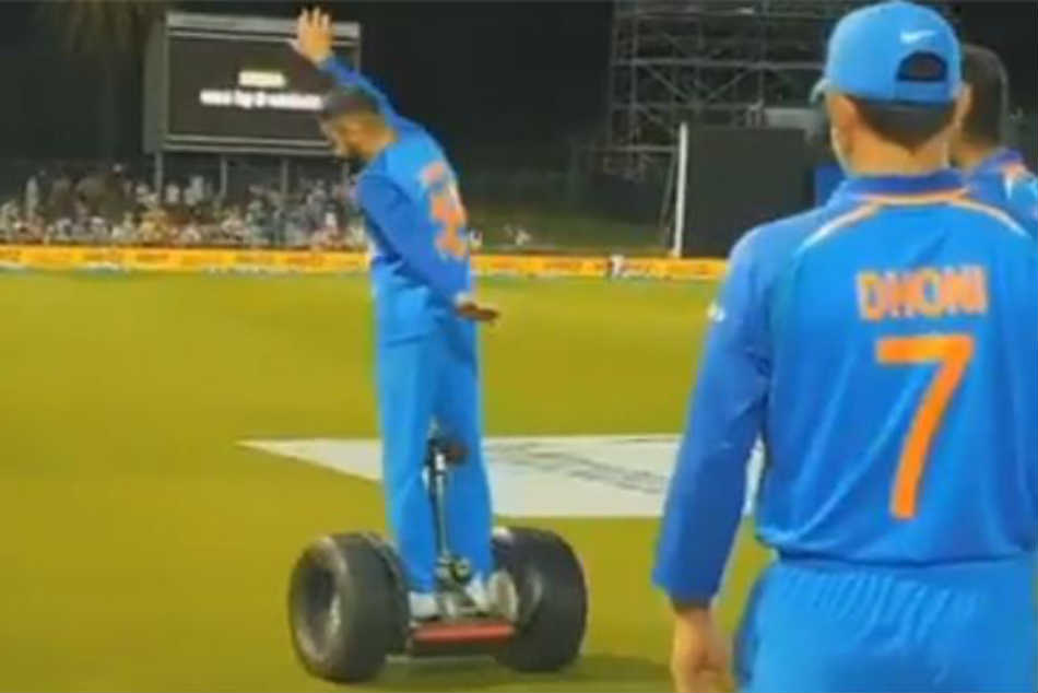 Watch Virat Kohli Ms Dhoni Find Unique Way Celebrate Indias Victory