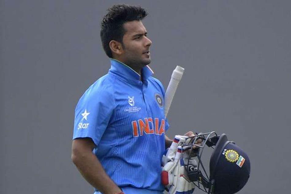 Harbhajan Singh Wants Rishabh Pant India S Odi Squad Backs Ms Dhoni To Return To His Best