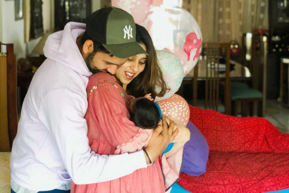 Girls like you: Rohit Sharma shares adorable photo with wife and Samaira
