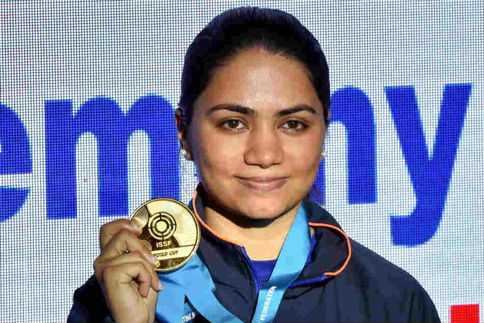 Issf World Cup Apurvi Chandela Breaks World Record Wins Gold