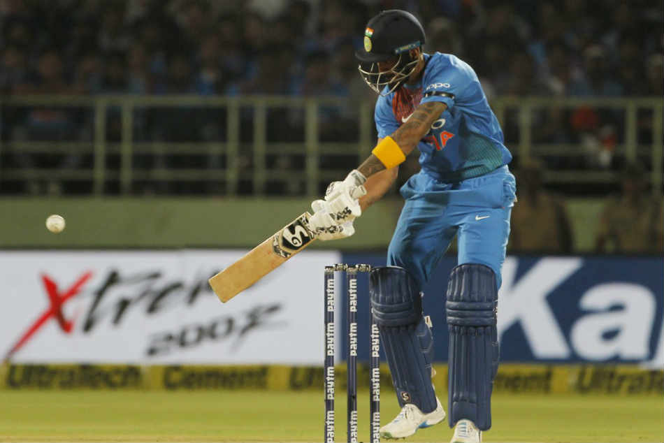 India Vs Australia 1st T20i Live Cricket Score Australia Restrict India To126 7 Rahuls Fifty