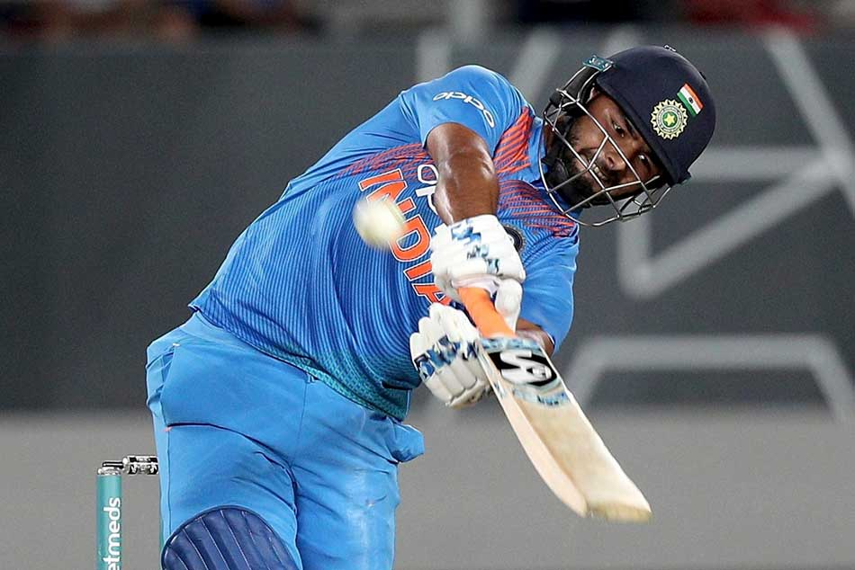 Ms Dhoni S Helped Rishabh Pant Bat Well Auckland Harbhajan Singh