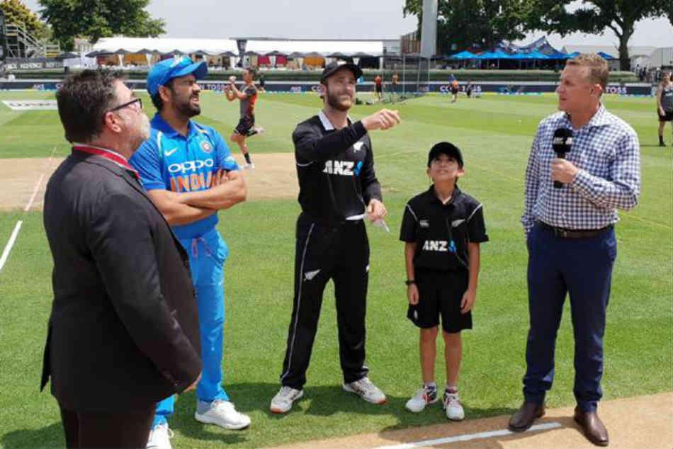 India Vs New Zealand 5th Odi Rohit Sharma Opts Bat Against New Zealand In Wellington