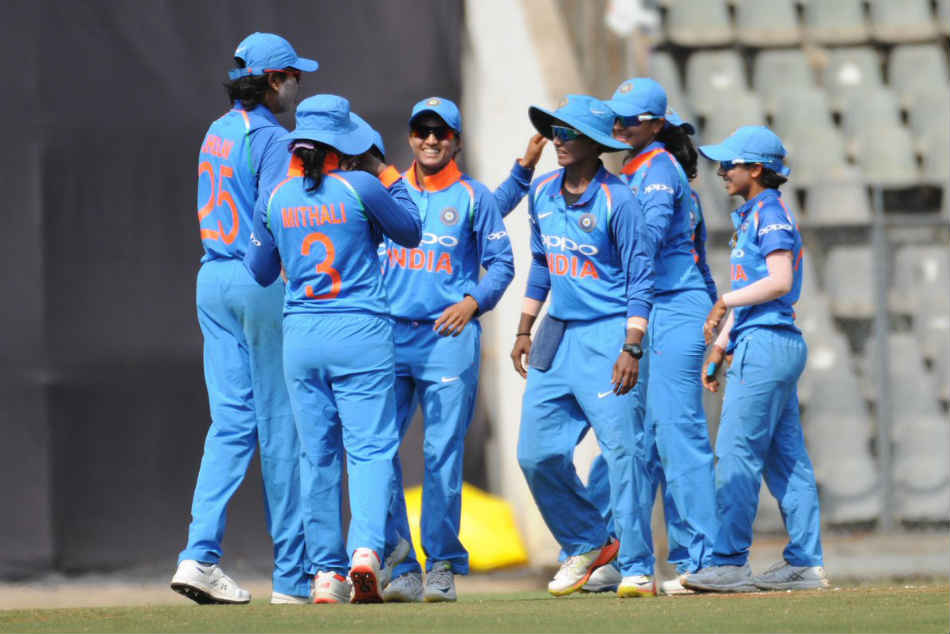 India Women Vs England Women Highlights 1st Odi Ekta Bisht Four For Guides Mithali And Co