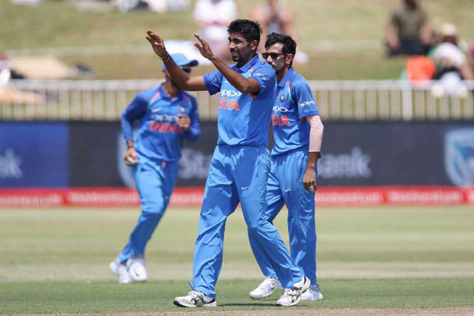 India Vs Australia Live Cricket Score 3rd Odi Ranchi India To Bowl First