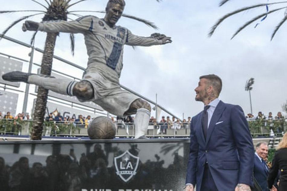 La Galaxy Unveil Statue David Beckham At Mls Opener