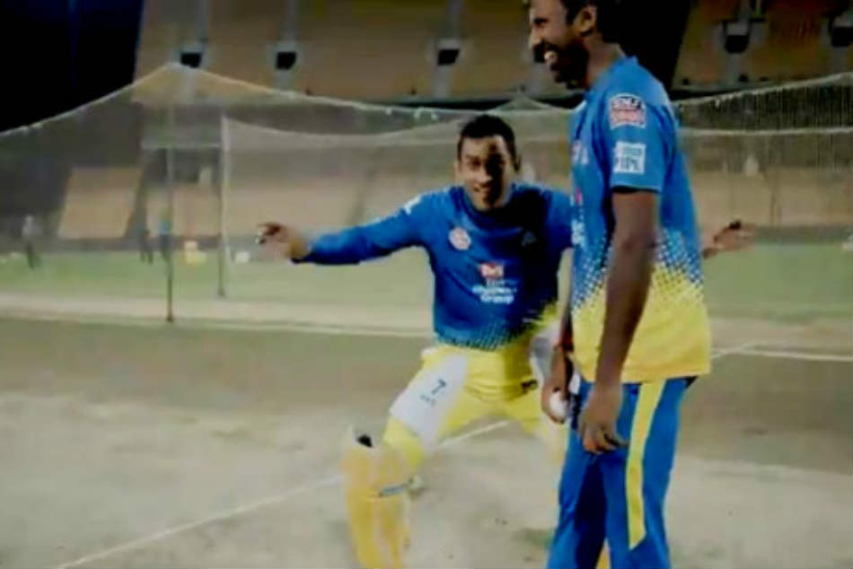 Viral Ms Dhoni Goads Csk Fan Plays Catch Me If You Can With Him
