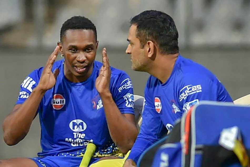 DC vs CSK: Twitter is in love with Dhonis reaction to Dwayne Bravo