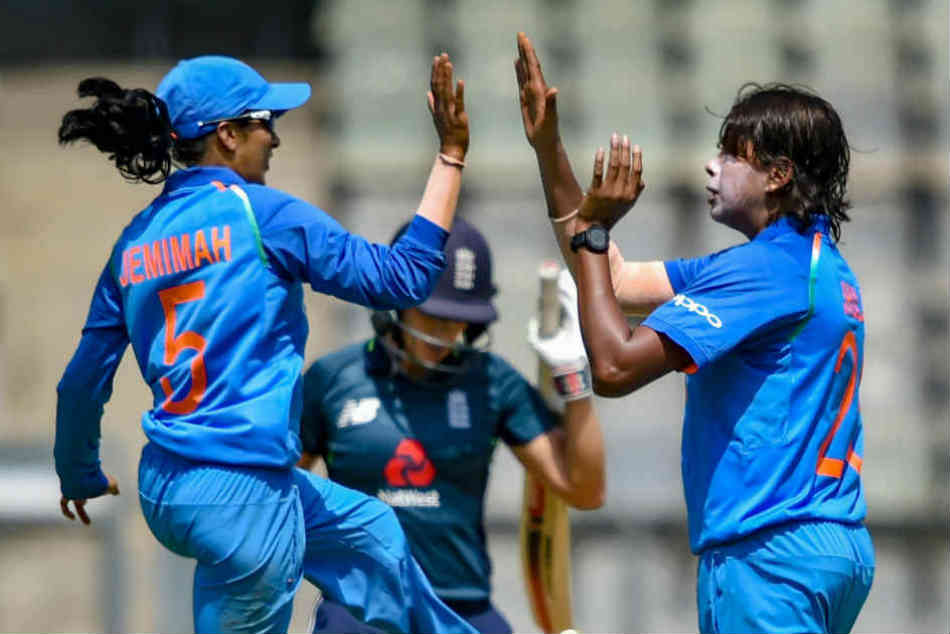 Jhulan, Mandhana lead Indias lead role in ICC Rankings